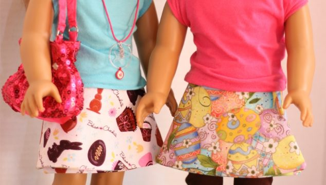 Free doll clothes pattern for an American Girl Doll Easter reversible skirt. Super easy sewing and a cute skirt. Fun!