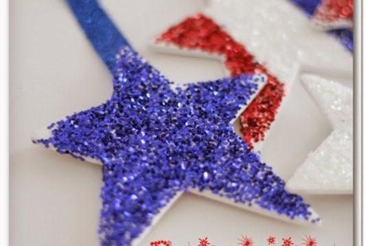 Patriotic Glitter Stars {4th of July Crafts}