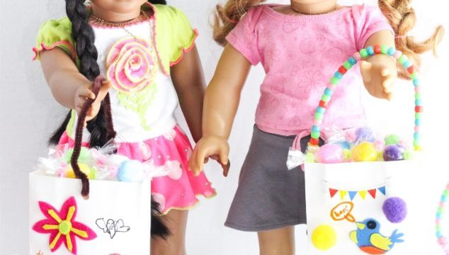 These are such a cute American Girl Doll crafts and Halloween crafts! Make these cute DIY treat bags and Halloween candy for our dolls.