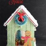 Gingerbread House {Christmas Crafts}