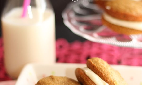Pumpkin recipes! Perfect for fall. This is a delicious recipe to make Pumpkin Spice Whoopie Pie. Nom nom!