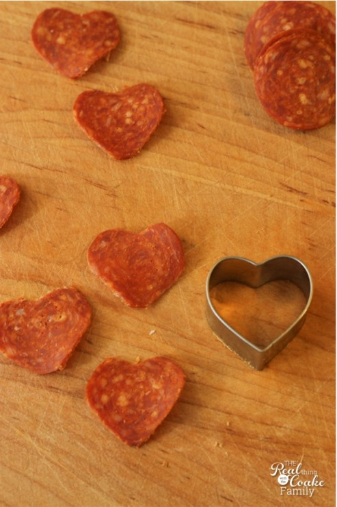 Great Family dinner ideas! Make Valentine's Day heart shaped pizza. #Valentines #FamilyDinner