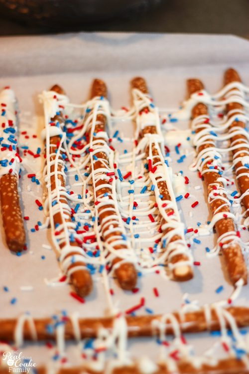 Love 4th of July recipes like this. Easy recipe for yummy food. Perfect dessert or snack on the 4th!