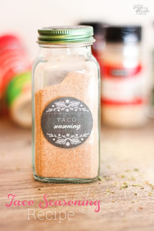 I love recipes to make my own seasoning and save a ton of money. This is a recipe to make your own taco seasoning. It is inexpensive, natural and easy too!
