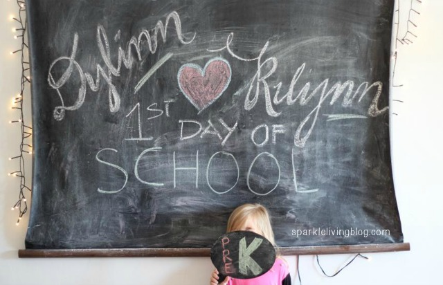 Great back to school first day photo ideas! #BacktoSchool #Pictures #RealCoake