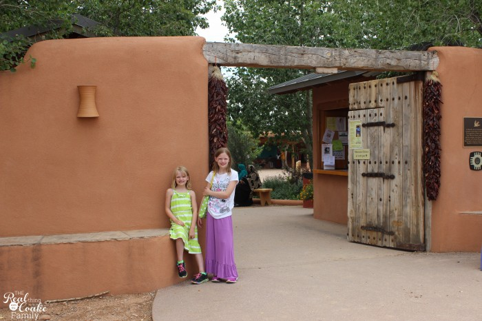 1 mom, 2 kids, 5346 mile road trip with all kinds of fun! Great ideas of places to stop! #Travel #RoadTrip