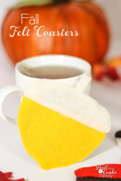 Cute craft to make fall felt coasters in the shape of acorns. Great way to add some fall decor to the house and it looks easy too!