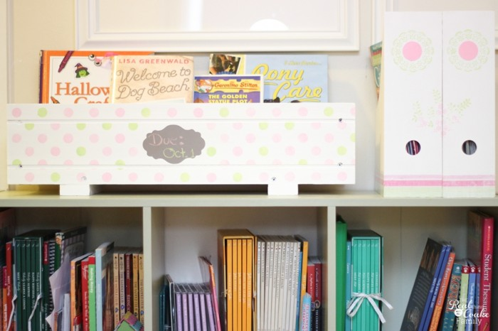 Cute DIY craft to help organize all those library books and keep track of when they are due as well. Genius! Maybe now I can stop paying fines!