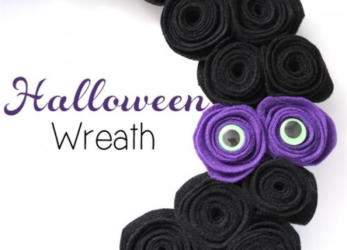 More Halloween Crafts – Make a Spooky Halloween Wreath