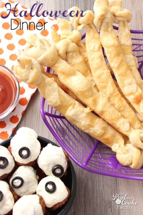 We love Halloween Recipes! Halloween food is so much fun. This is a crazy easy recipe to make bones to go with your Halloween dinner.