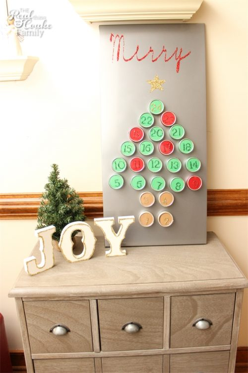 I love these glittery Joy DIY Christmas decorations! They are so cute and they look easy too!.