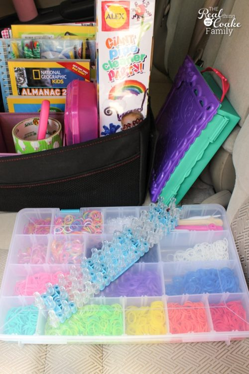 These are some amazing Road Trip ideas for kids! Great ways to keep them entertained and most of them are not electronics but crafts and fun creative ideas.