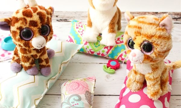 Simple to Sew Small Pillows ~ Activities for Kids