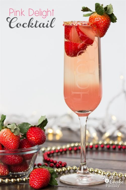 Love finding pretty and delicious drink recipes. This is a gorgeous and delicious Cocktail recipe - perfect for our New Year's or other celebrations.