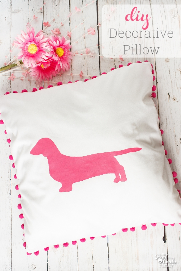I love decorative pillows! This one is some simple sewing to make an adorable pillow for a kids bedroom. perfect for my ideas for my girls rooms.