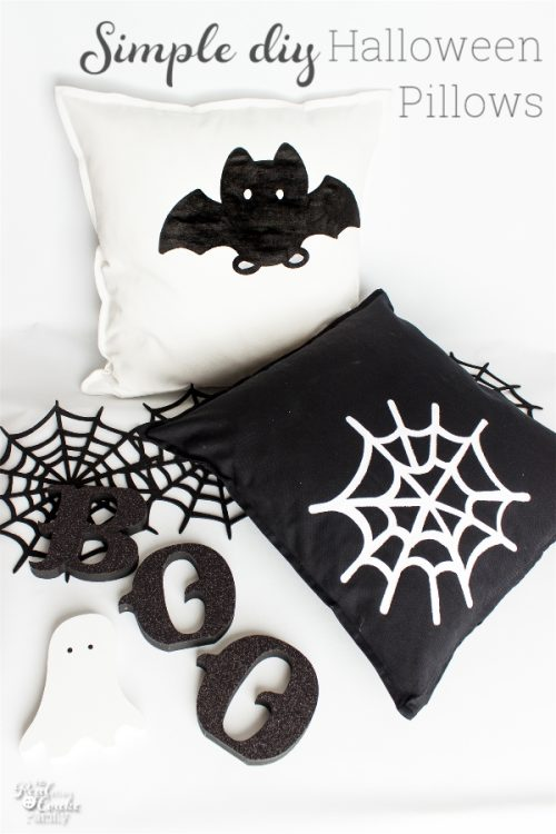 Go Batty For These Cute Halloween Decorative Pillows Impressive Halloween Pillows Decorations