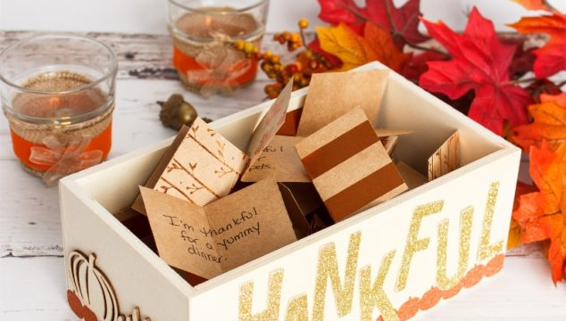 Simple Thanksgiving Decoration Thankful Box Craft