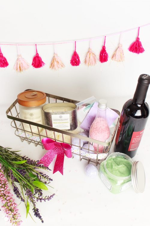 Easy and Beautiful DIY Mother\'s Day Gift Basket Idea