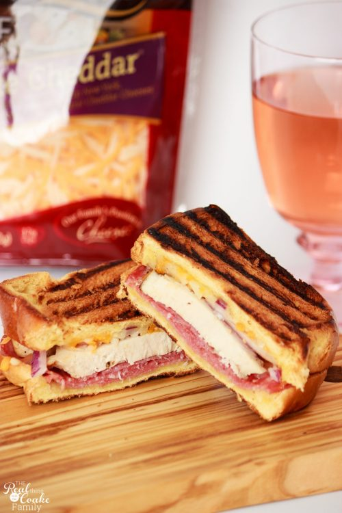 OMG! These are 5 amazing grilled cheese sandwich recipes with a quick and easy idea to make a grilled cheese bar. Perfect for a fun and easy family dinner.