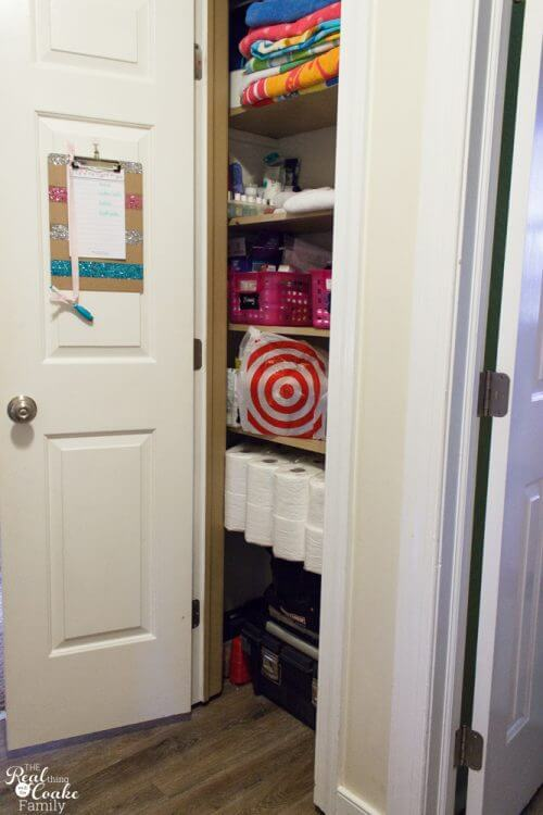 Great Ideas For My Small Linen Closet Organization. Love The Free  Organizational Printables And Cute