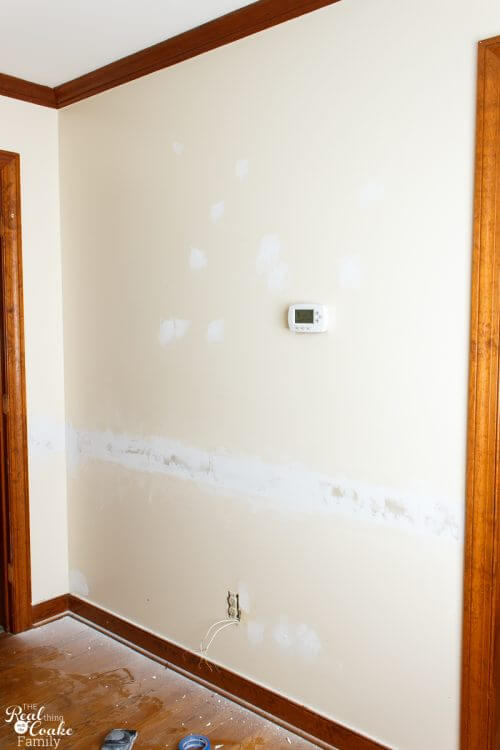 picture of wall with patch and paint