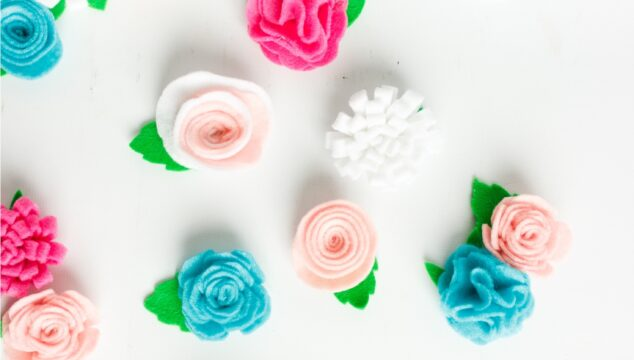How to Make Pretty Felt Flowers Using a Cricut
