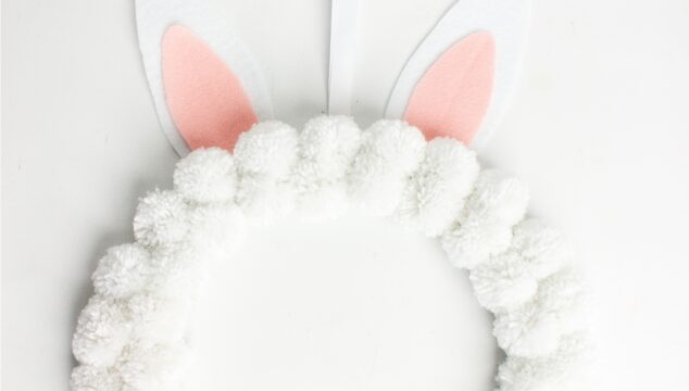 How to Make an Adorable Bunny Pom Pom Easter Wreath