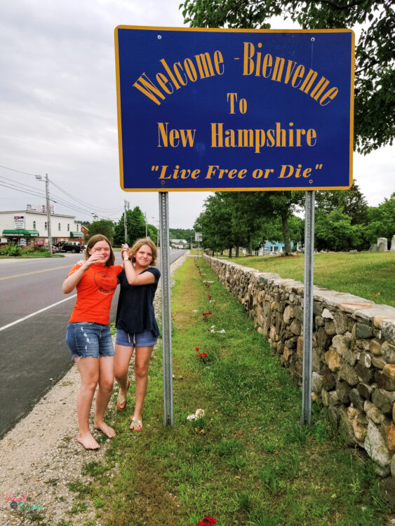 state line picture at New Hampshire