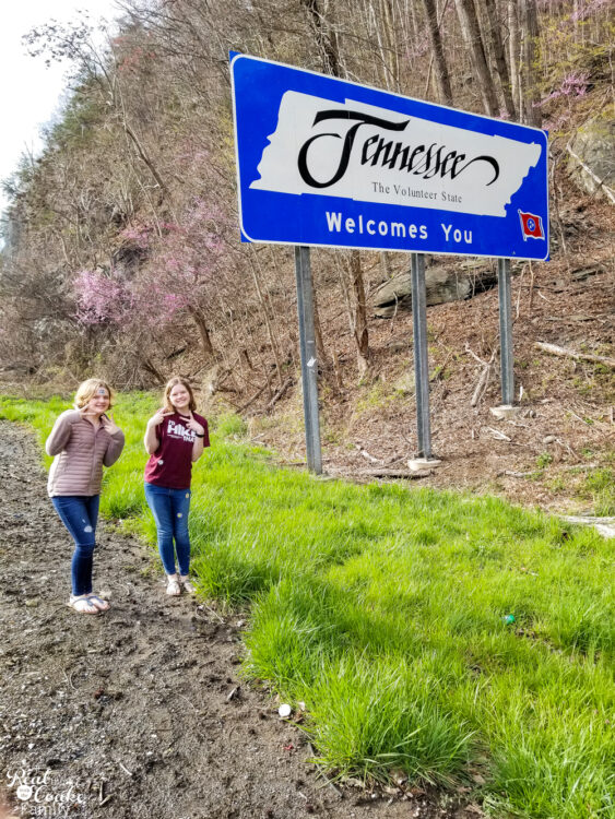 Family vacation ideas for travel with teens and tween. Tips that help make family travel more fun along with an idea for a great destination in Tennessee.